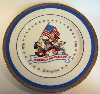 America on Parade plate, featuring Mickey Mouse, Goofy and Donald