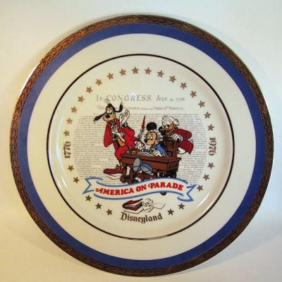 America on Parade plate, featuring Mickey Mouse, Goofy and Scrooge McDuck