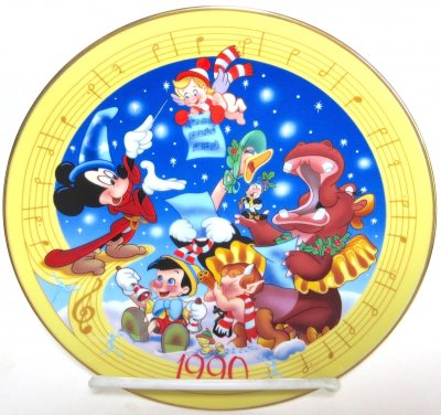 'Christmas Greetings 1990' - Disney decorative plate