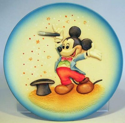 Miniature decorative plate of magician Mickey Mouse