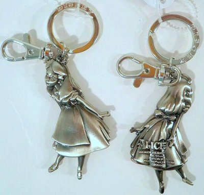Disney's Alice in wonderland pewter keychain