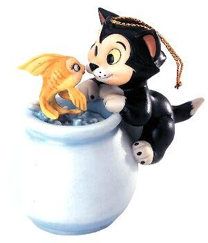 Purrfect kiss  Figaro and Cleo Disney ornament (WDCC)