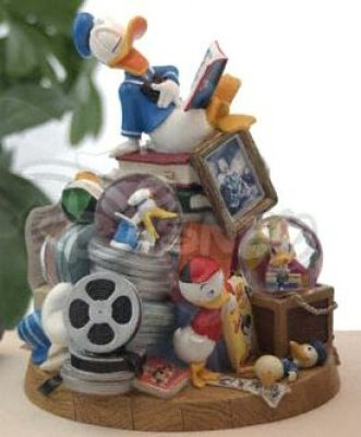 Donald Duck with his nephews 4-in-1 snowglobe