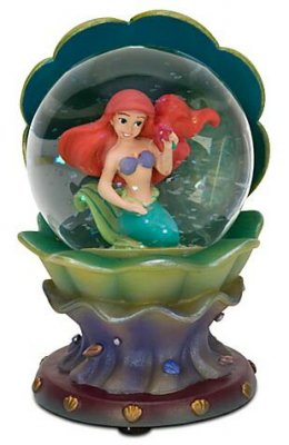 Ariel in clam shell mini snowglobe