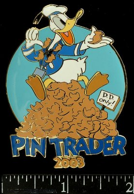 Donald Duck Pin Trader 2003 Disney pin