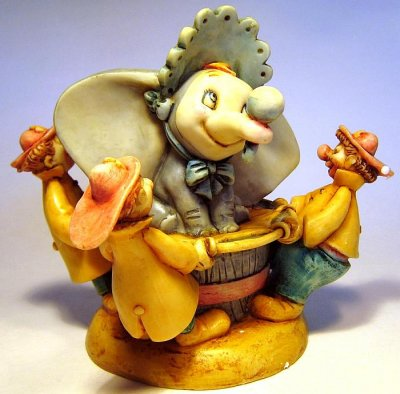Baby Dumbo And Clowns Hollow Box From Our Harmony Kingdom