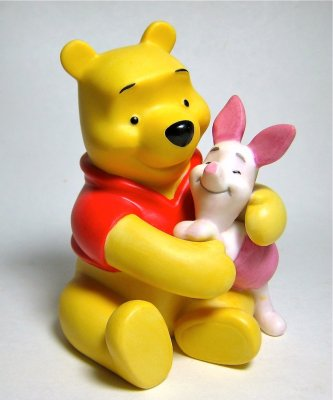 'Forever friends' - Winnie the Pooh hugging Piglet figure