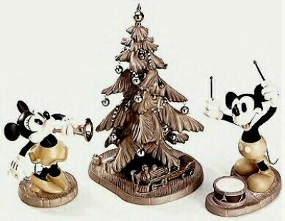 'Hooray for the holidays' - Minnie and Mickey Mouse with Christmas tree figurine set (WDCC)