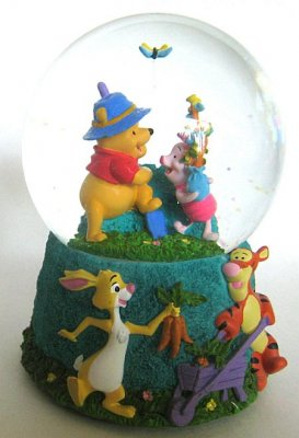 Winnie the Pooh and friends musical snowglobe