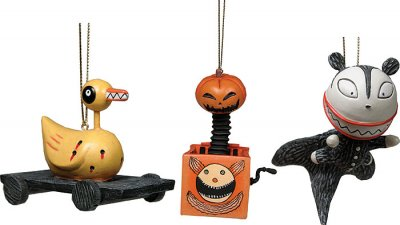 scary presents figure ornament set